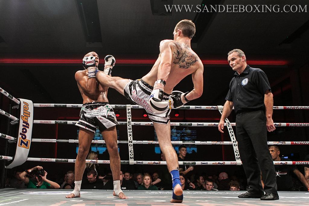 Muay Thai - A Teep to the Face