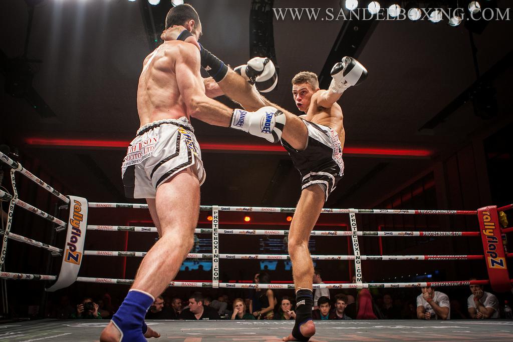 Muay Thai - A Really Nice Headkick